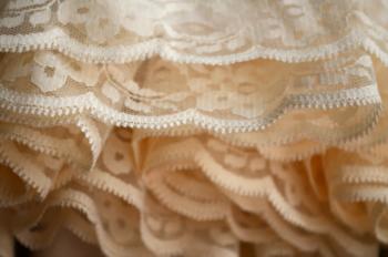 Bild für Blogartikel: Kleiner Styling-Ratgeber für Curvy-Size-Mode; Zu sehen: Rüschen